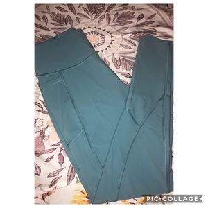 Victoria Sport size M light blue leggings